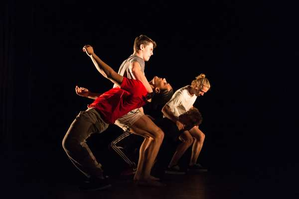 Frantic Assembly Ignition performance 2014. Photo by Manuel Harlan