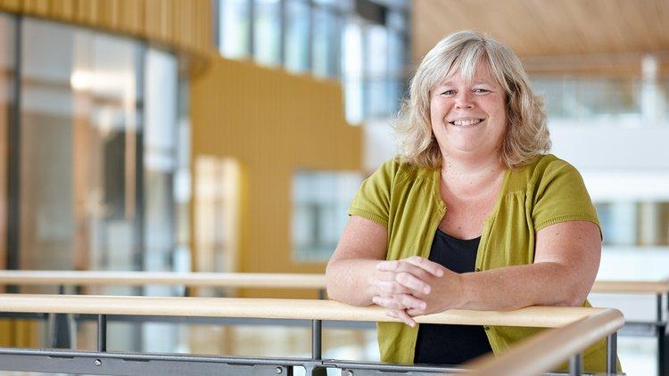 Amanda Kelland - lecturer MA SEN