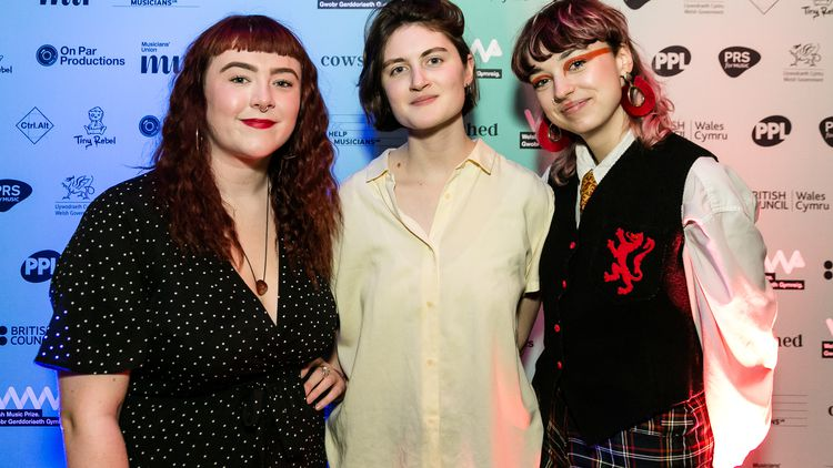 Adwaith win Welsh Music Prize 2019
