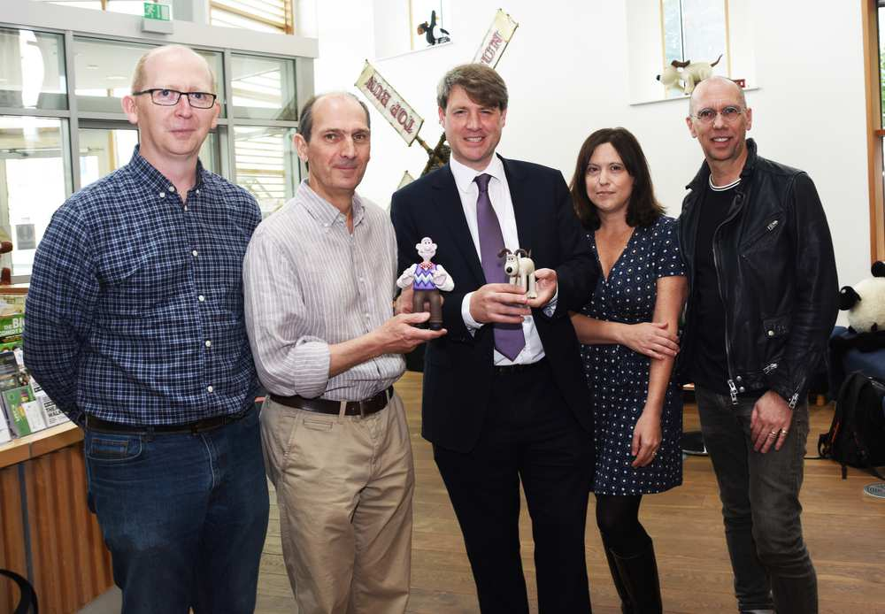 """Jason Veal (Sugar Creative), David Sproxton (Aardman), Chris Skidmore MP  (Business Energy and Industrial Strategy), Susan Cummings (Tiny Rebel Games), Scott Ewings (Potato London) with """"lifesize"""" models of Wallace and Gromit. Neil Gibson, April 2019"""