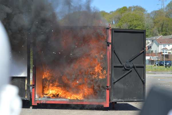 Flashover occurs when all the combustible materials present in the room have been heated by radiation to reach their autoignition temperature and ignite simultaneously.