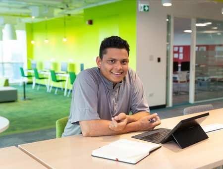 Aziz, Dubai student
