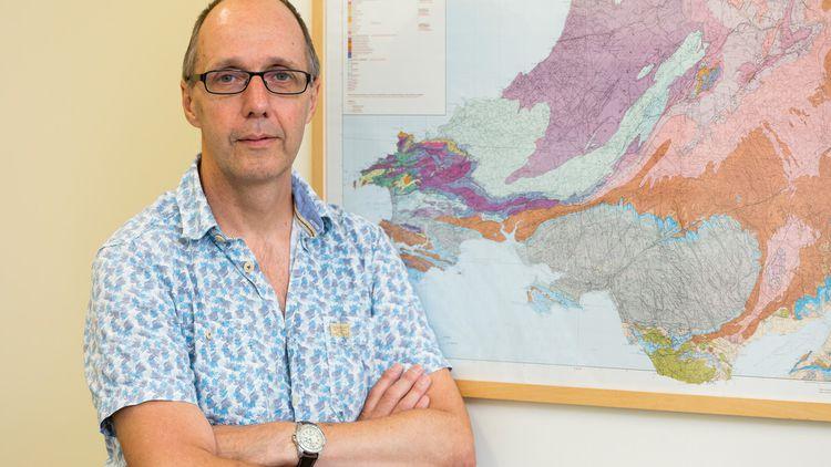 Dr Ian Skilling, Geology