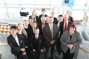 Cllr Debbie Wilcox, leader of Newport City Council, Llanwern Head Teacher Rob King, Chair of Governors Ann Lewis, and John Griffiths AM, with the Llanwern pupils during the Senedd visit.  Neil Gibson, October 2017