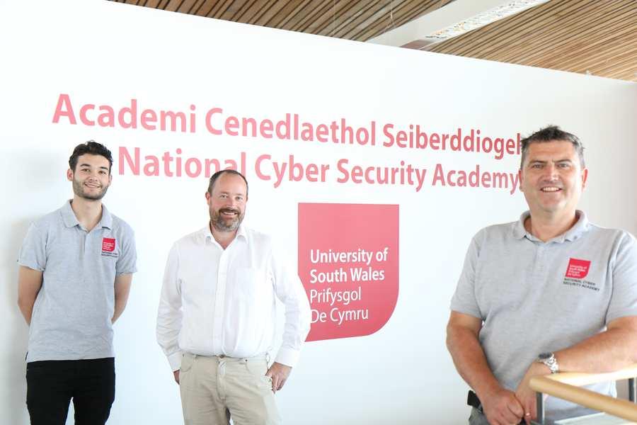 NCSA student Xavi Bilbao, Matthew Cartwright of Zovolt, and Head of NCSA Stephen Biggs. Neil Gibson, Juluy 2017