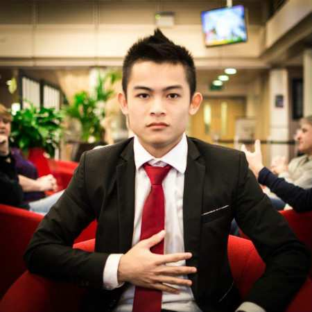 Sang - profile pic.jpg