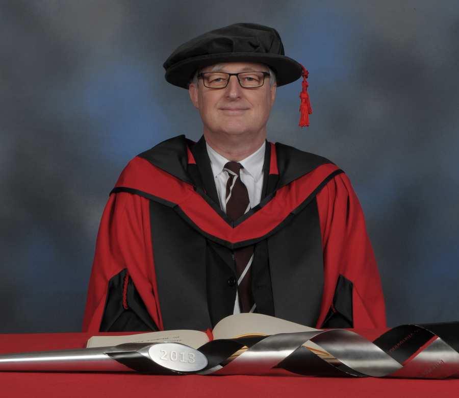Dr Rhobert Lewis
