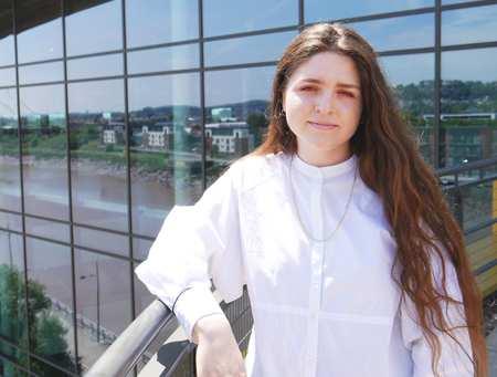 Stefany Iova Student Blogger
