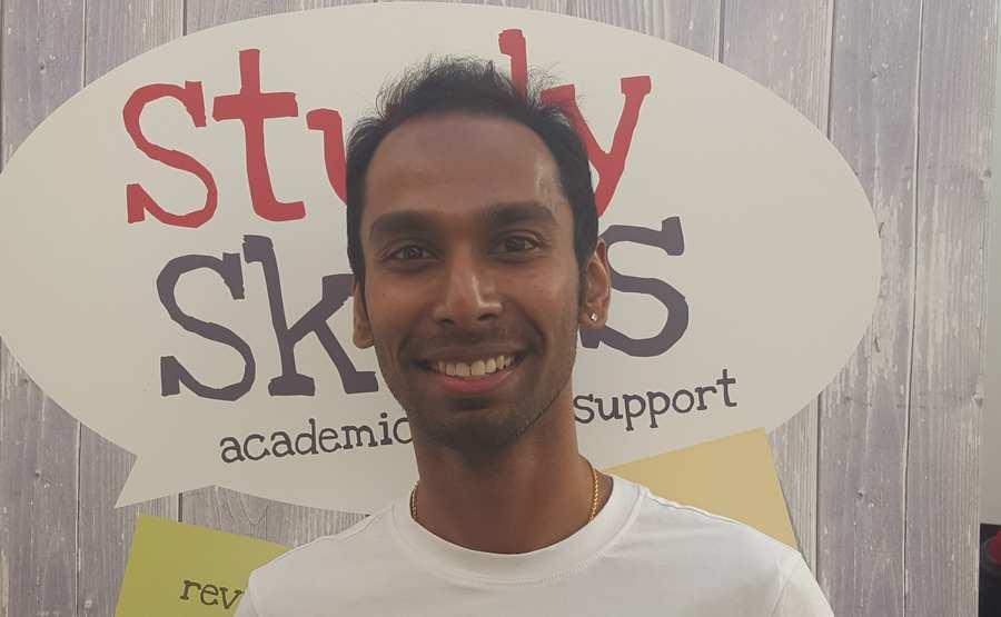 Viknesh_Vijayan_-_Singapore.jpg