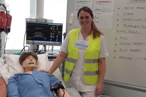 Cath as team leader during the acute and critical care simulation scenarios at Hamk University for International Wellbeing Week