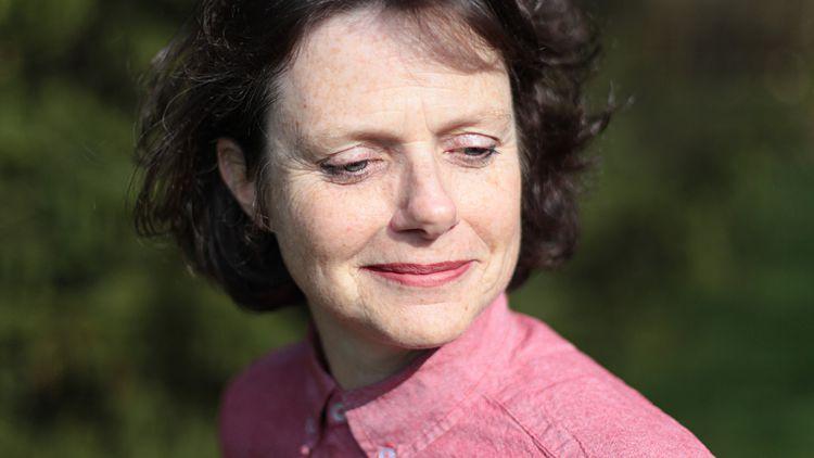 Lisa Barnard