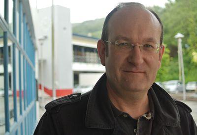 Dr Simon Thomas